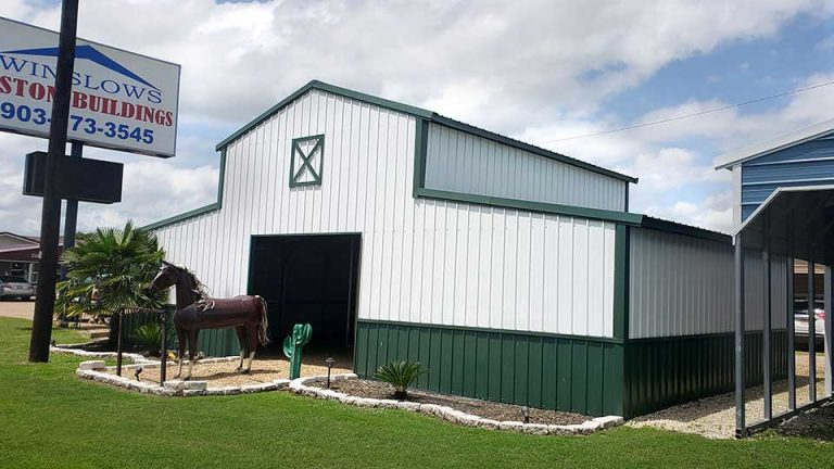 42x25x12 Texas Barn with stalls